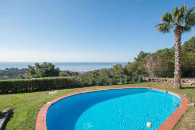 Stunning house with breathtaking views in luxurious community Bellamar, Castelldefels